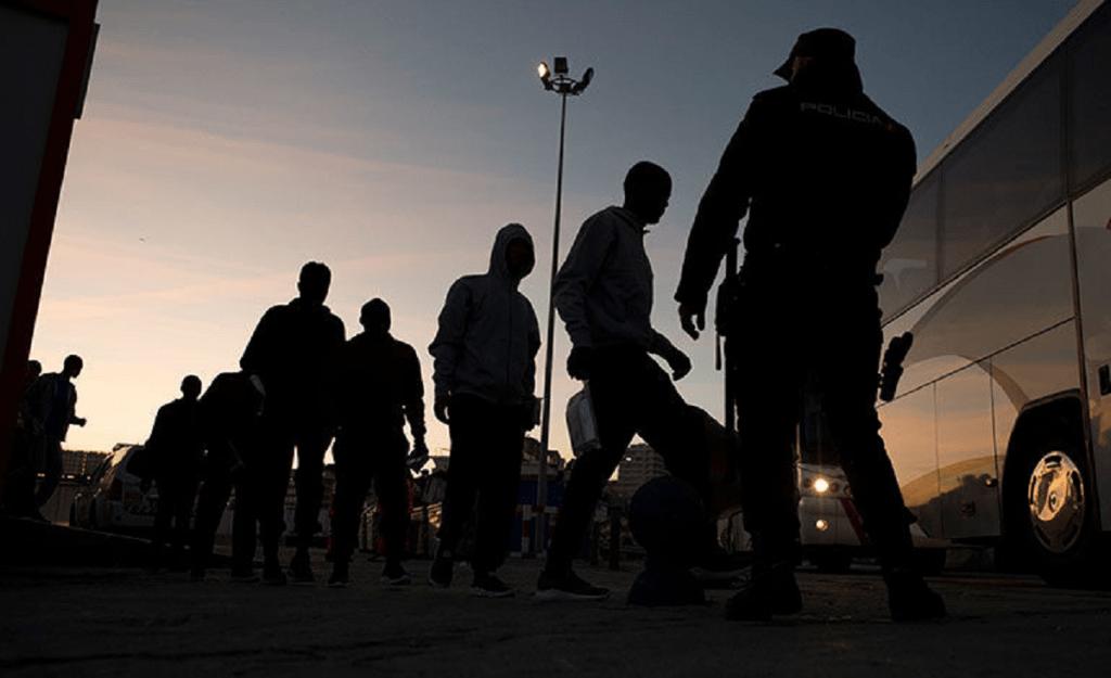 México invocará a T-MEC para vacunación de migrantes