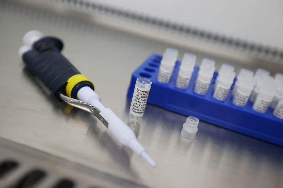 Rusia registra su tercera vacuna contra Covid